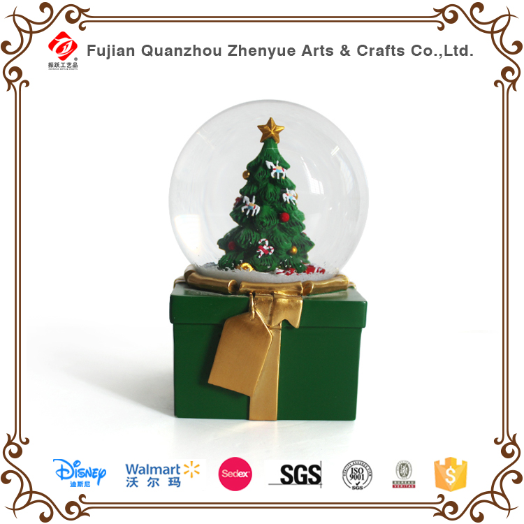 Classic Christmas Theme Snow Globe Christmas Tree with Xmas Style Base Water Globe for Souvenir Gift